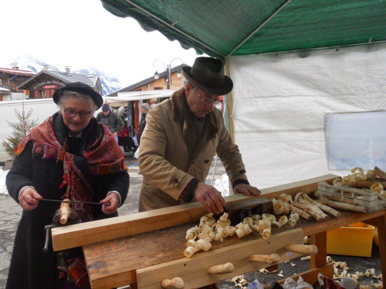 Les Marchés d'antan ménuisier – Tabourets artisanaux